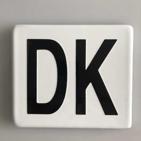 DK emaljeskilt hvid 12,5 x 10 cm uden huller