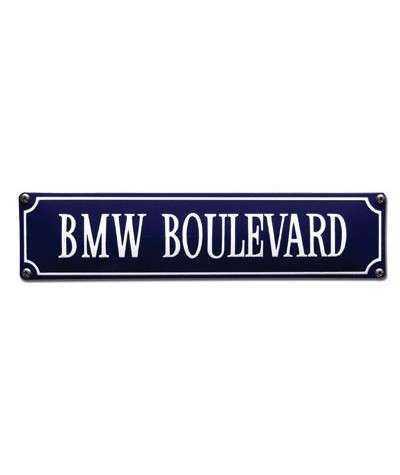 BMW Boulevard 33 x 8 cm